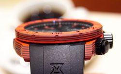EDOX ブランド初!ケースとベゼルにカーボンを採用した「クロノオフショア1 カーボン クロノグラフ オートマチック」