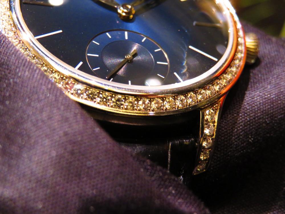 努力を形に。時計つくりに対する思いが詰め込まれたエンデバー・スモールセコンド-H.Moser&Cie. -IMG_0633
