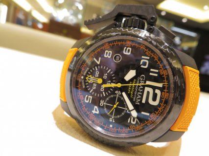 遊び心を忘れない時計。グラハムから「クロノファイター スーパーライトカーボン」をご紹介。