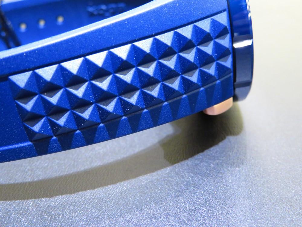 春夏にぴったり!ブルー×ゴールドで爽やかな腕元にしませんか?EDOXクロノオフショア1 クロノグラフオートマティック-EDOX -IMG_1285