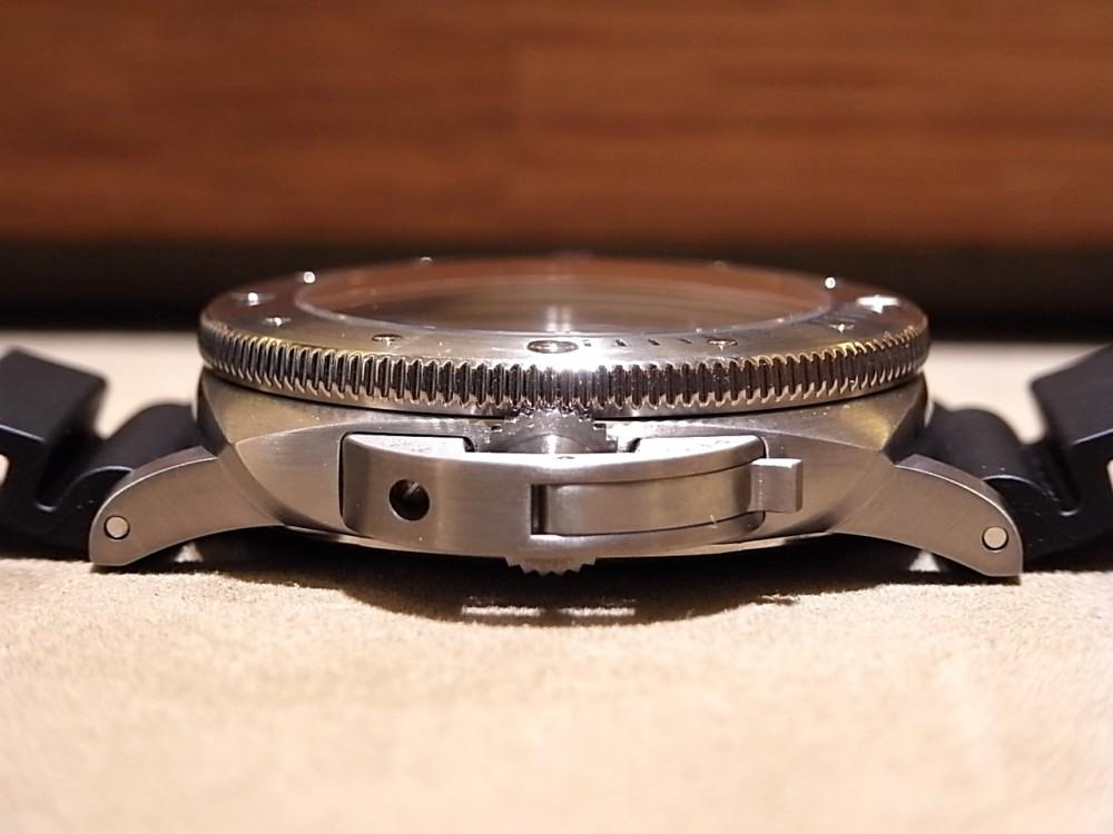 ダイバーズウォッチの名作! ルミノール サブマーシブル 1950 3デイズ オートマティック チタニオ PAM01305-PANERAI -R1169951