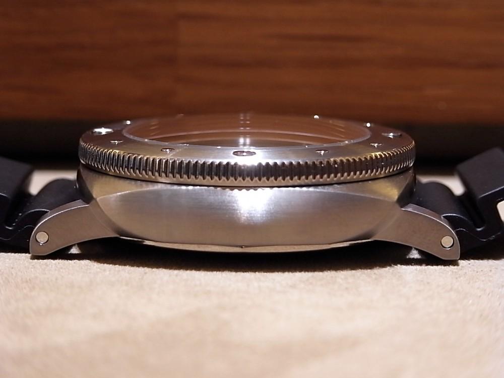ダイバーズウォッチの名作! ルミノール サブマーシブル 1950 3デイズ オートマティック チタニオ PAM01305-PANERAI -R1169952