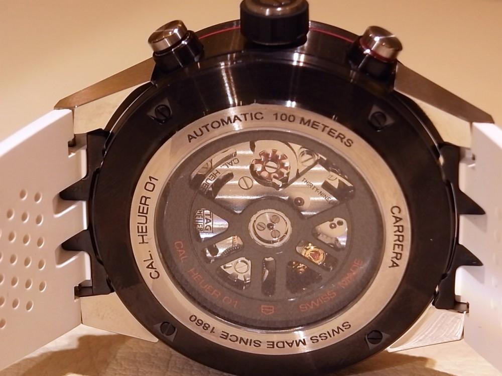ホワイトストラップが新鮮な「タグホイヤー カレラ キャリバー ホイヤー01 クロノグラフ」-TAG Heuer -R1170160-1
