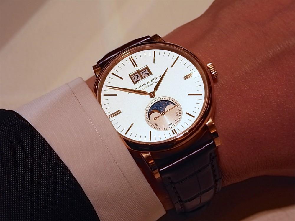 ドイツ時計の最高峰「A.ランゲ&ゾーネ」からサクソニア・ムーンフェイズ-A.LANGE&SÖHNE -R1170272