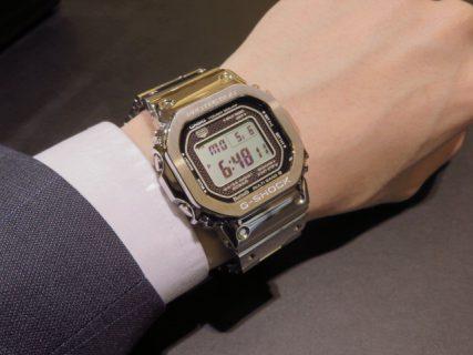 スーツに合うメタルジーショック! G-SHOCK「GMW-B5000」
