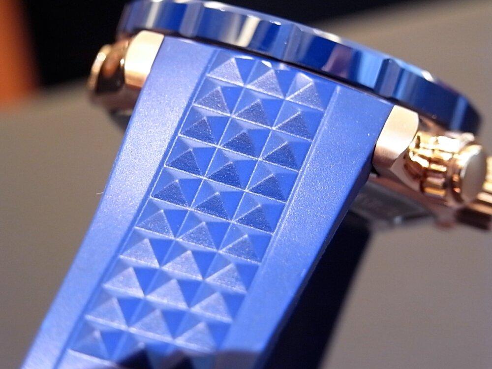 ブルーとゴールドが大人の雰囲気🎵 エドックス「クロノオフショア1」-EDOX -R1171178