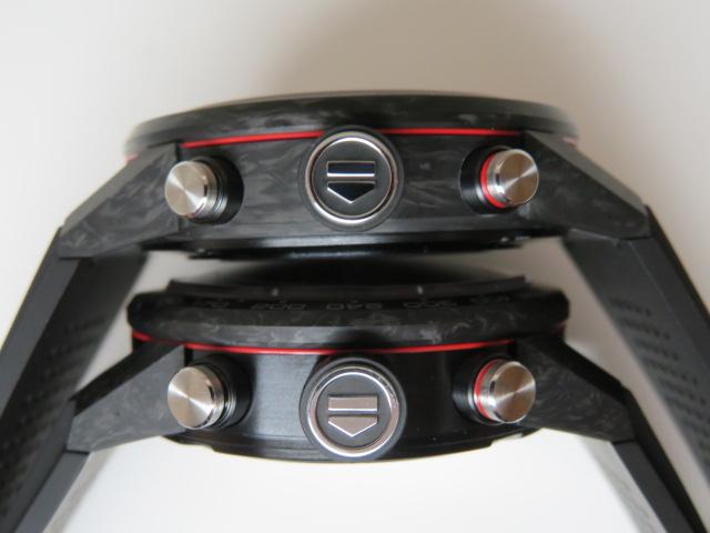 こだわりのカーボンケース!タグ・ホイヤー02のケース径45mm(CBG2A91.FT6173)43mm(CBG2016.FT6143) 比較。 - TAG Heuer