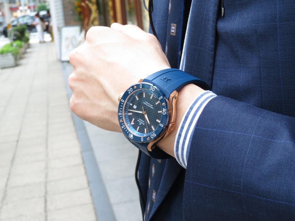 夏こそ腕の魅せどころ!!インパクトのある青×金でラグジュアリースポーツなデザイン EDOX クロノオフショア1 プロフェッショナル-EDOX -IMG_5440