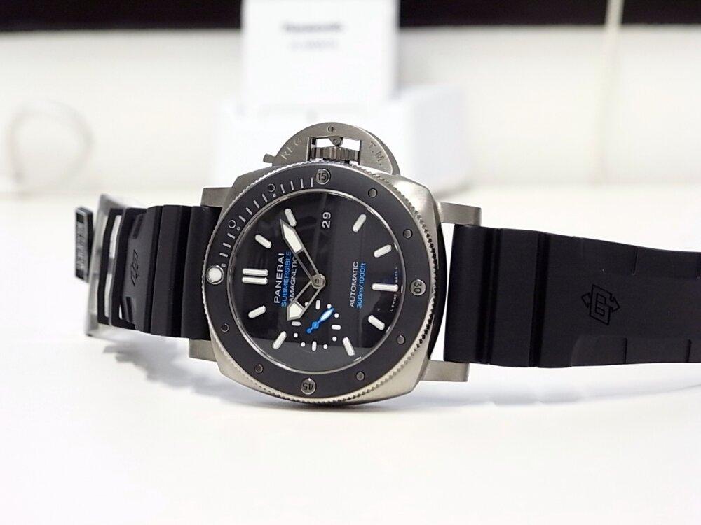 【パネライ】 アクティブなダイバーズ時計がオススメ「ルミノール サブマーシブル 1950 アマグネティック 3デイズ オートマティック チタニオ」 PAM01389-PANERAI -R1171660