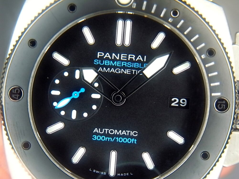 【パネライ】 アクティブなダイバーズ時計がオススメ「ルミノール サブマーシブル 1950 アマグネティック 3デイズ オートマティック チタニオ」 PAM01389-PANERAI -R1171662