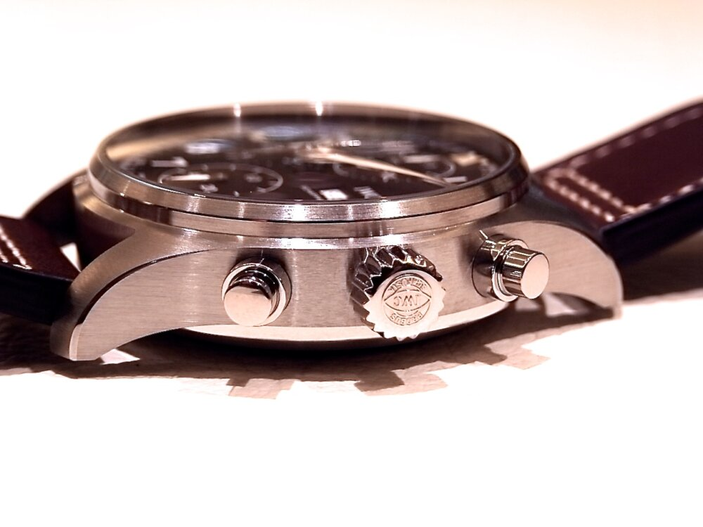ウィンターフェア開催中!2019年新作自社製キャリバーを備えた、レトロな高級機械式時計!IWC パイロット・ウォッチ・クロノグラフ・スピットファイア!!-IWC -R1171691