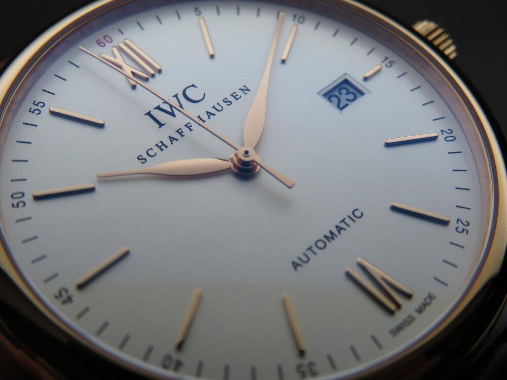 IWC スーツの袖口からチラ見えで高級感漂うゴールド&ドレッシー「ポートフィノ・オートマティック」!!-IWC -IMG_5861
