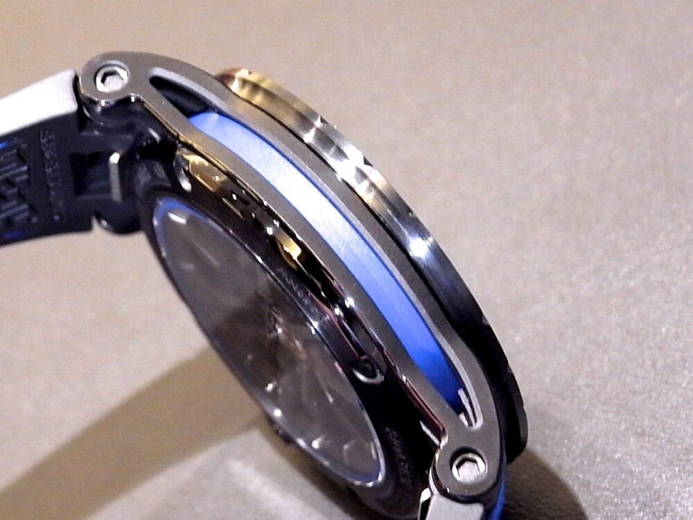 【ロジェ・デュブイ】圧倒的なデザイン!ランボルギーニ社とのコラボレーションモデル「エクスカリバー ウラカン」-ROGER DUBUIS その他 -R1171725