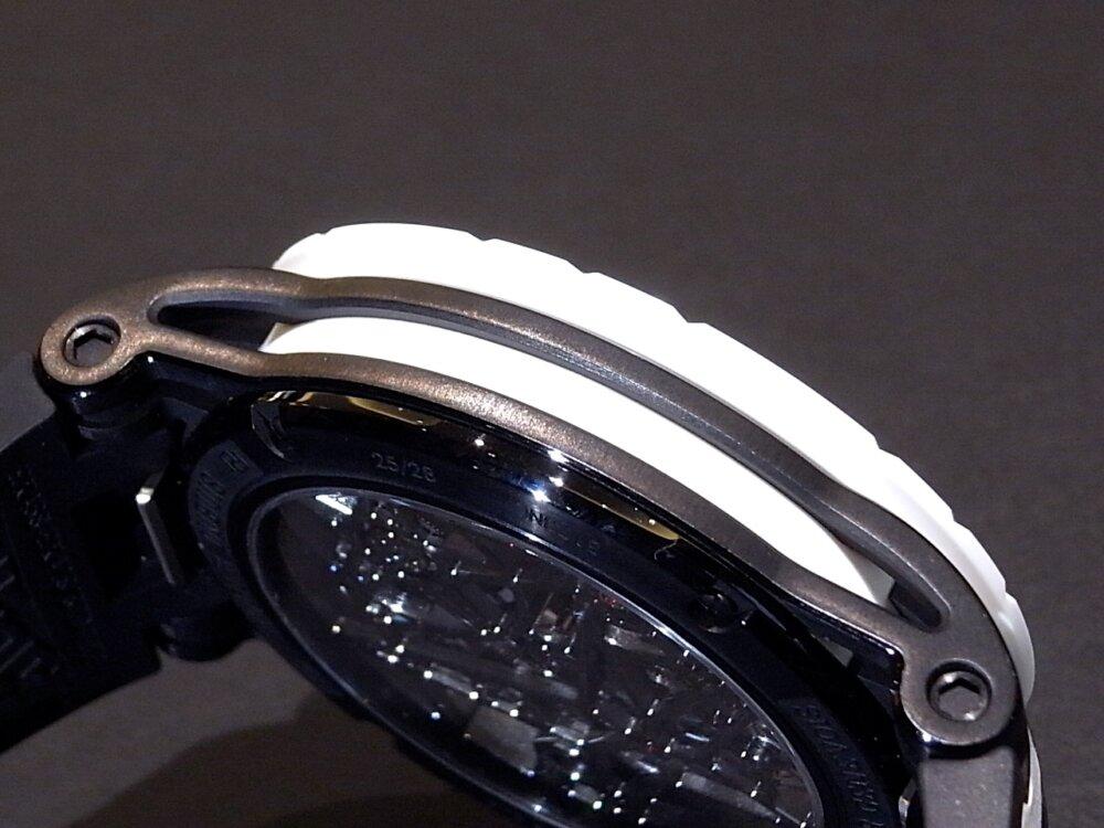サマーフェスタ開催中!爽やかなホワイトカラーを採用した希少な日本限定28本のロジェデュブイ。-ROGER DUBUIS -R1171743