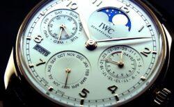 IWC 憧れの永久カレンダー搭載の時計「ポルトギーゼ・パーペチュアル・カレンダー」