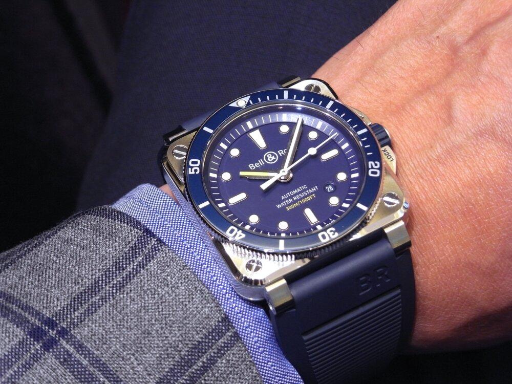 ベル&ロス ブルーが素敵! ダイバーズウォッチ「BR 03-92 ダイバー ブルー」-Bell&Ross -R1171893