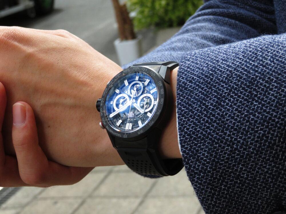 カーボン素材を使用したタグ・ホイヤーの新キャリバー搭載モデル!ブラックの統一感でスマートに-TAG Heuer -IMG_0385