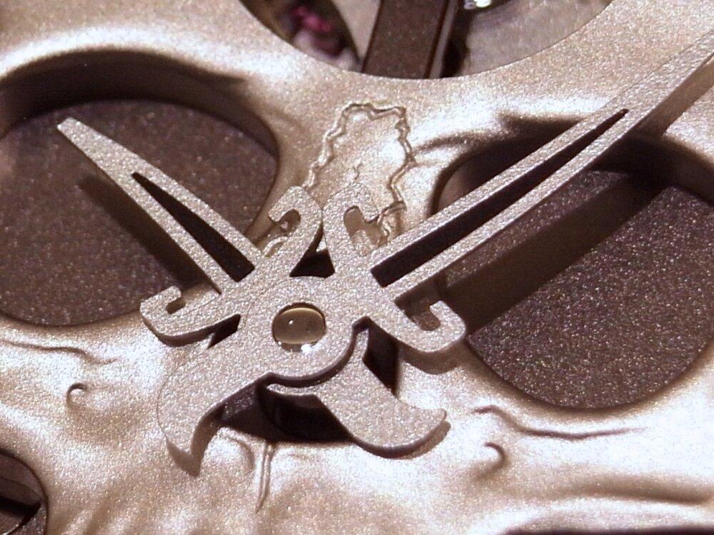 消費増税 前に手に入れる!! 394個のダイヤモンドが圧巻の、ベル&ロスの「ラッフィングスカル フルダイヤモンド」-Bell&Ross その他 -R1169844