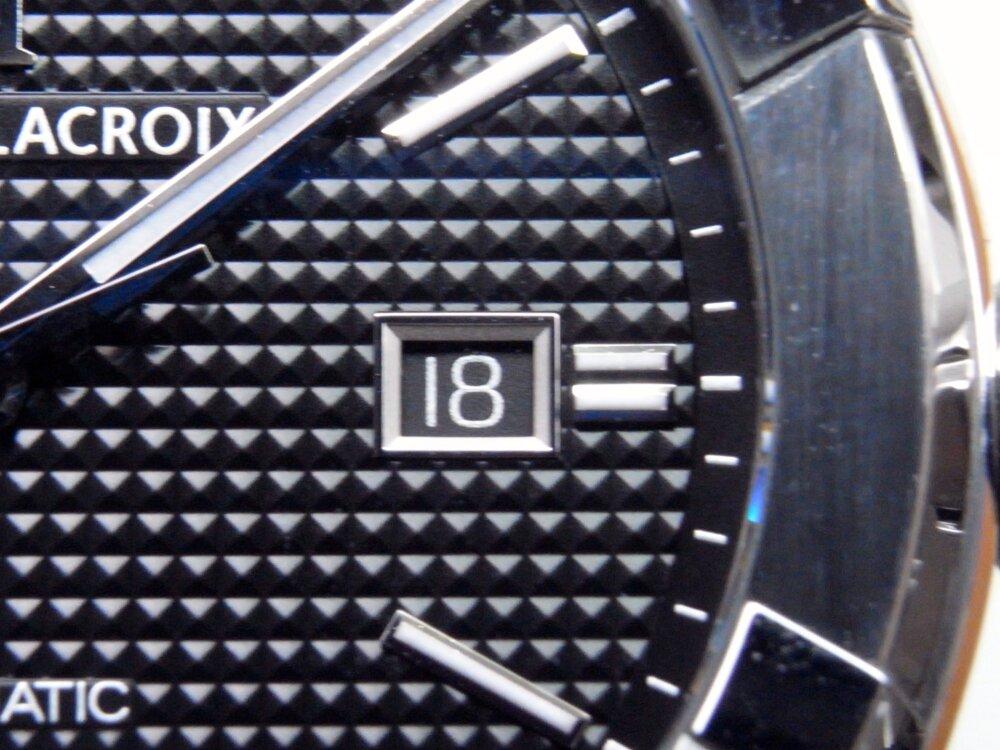 モーリス・ラクロア 人気のアイコンオート 2つのケースサイズの比較-MAURICE LACROIX -R1172993
