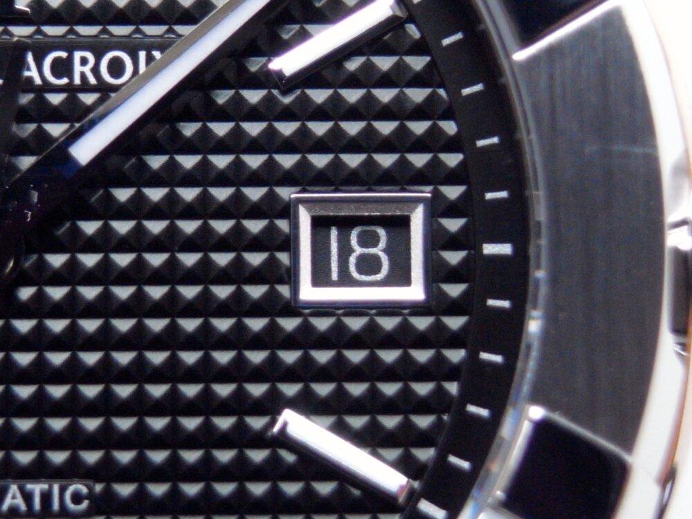 モーリス・ラクロア 人気のアイコンオート 2つのケースサイズの比較-MAURICE LACROIX -R1172994