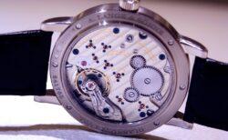 腕時計の裏の顔