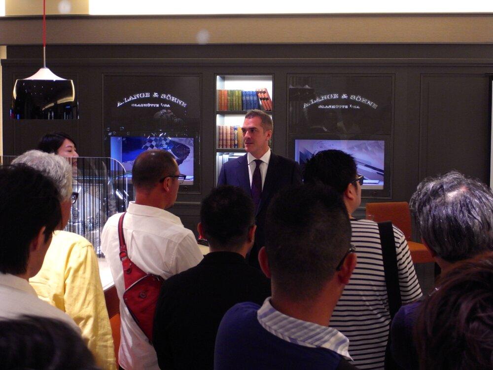 ベル&ロスのニューコレクション「BR05」ローンチイベントを大阪心斎橋店で開催しました♪-お知らせ -R1173418