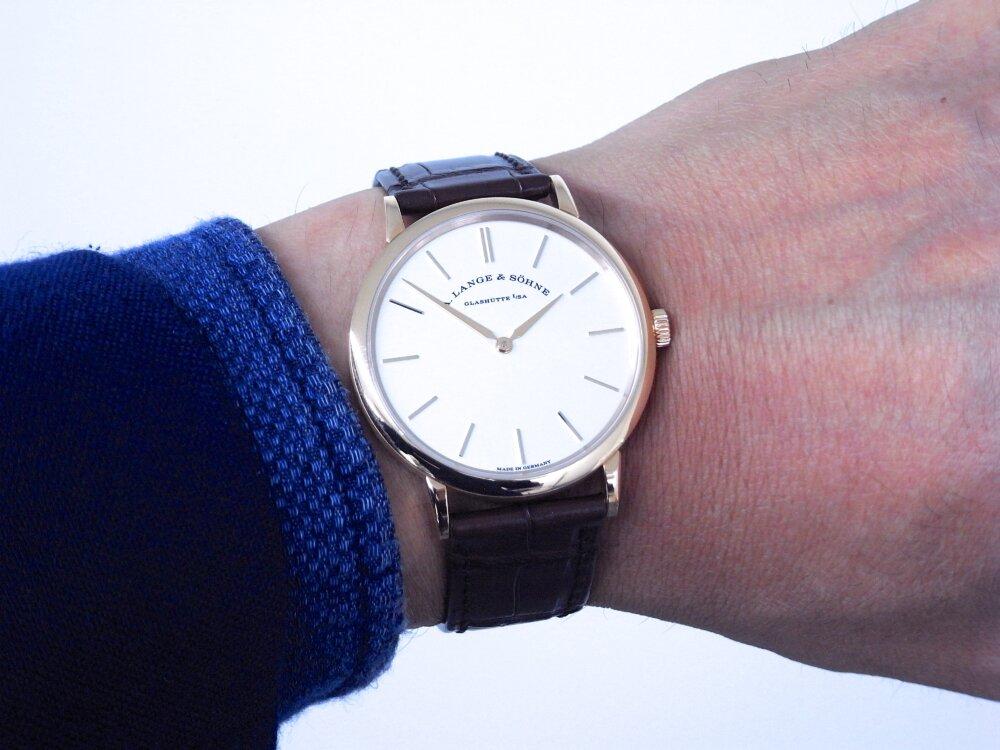 一切の無駄を省く2針のシンプルな時計、A.ランゲ&ゾーネ「サクソニア・フラッハ」-A.LANGE&SÖHNE -R1173488