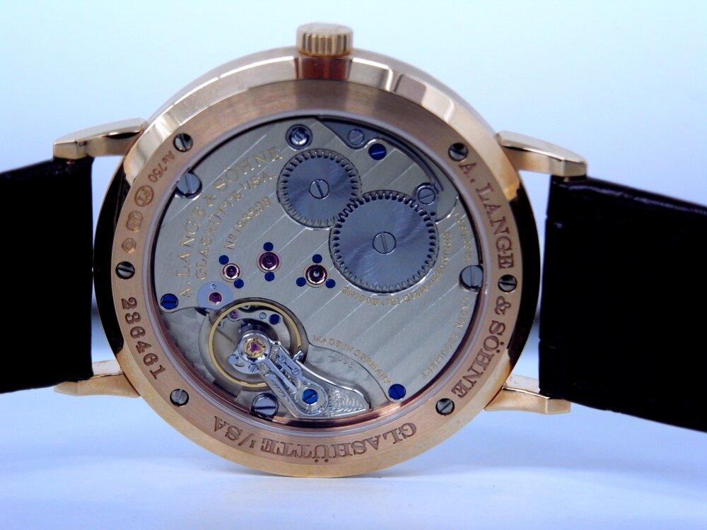 一切の無駄を省く2針のシンプルな時計、A.ランゲ&ゾーネ「サクソニア・フラッハ」-A.LANGE&SÖHNE -R1173490