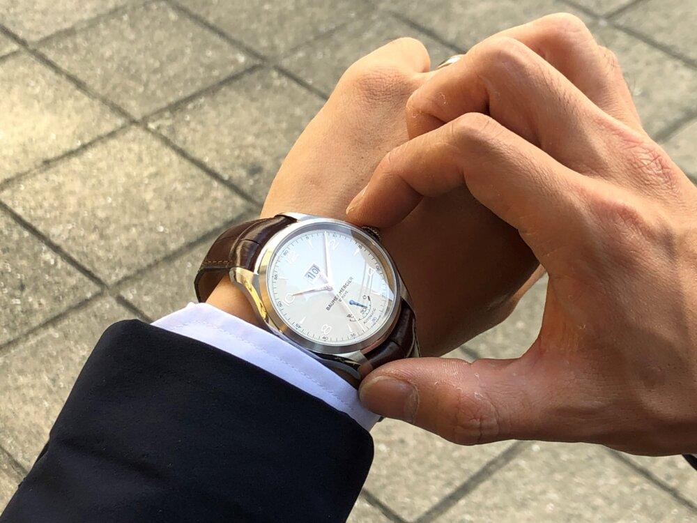 この秋着けたいおとな時計。ボーム&メルシエから「クリフトン ビッグデイト パワーリザーブ」をご紹介。-BAUME&MERCIER -4-1