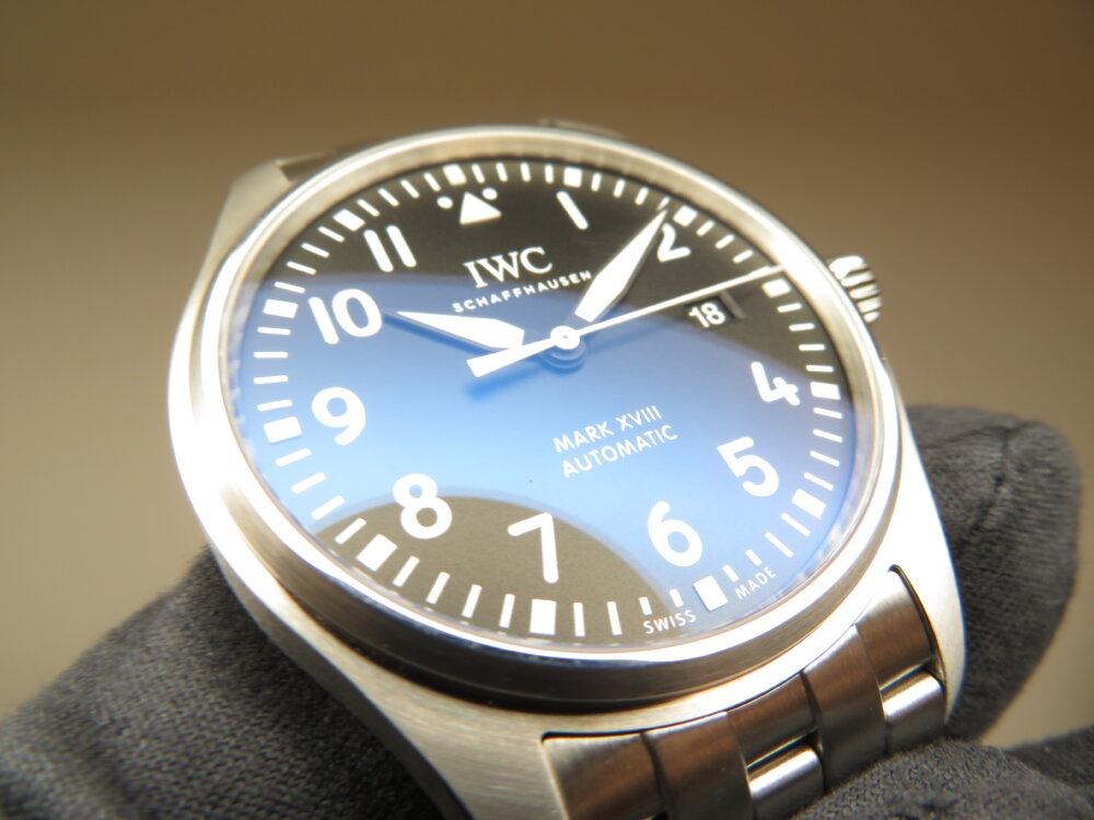 軟鉄製インナーケースにより耐磁性も備えたIWC定番ブレスモデル、パイロット・ウォッチ・マーク XVIII-IWC -IMG_1880