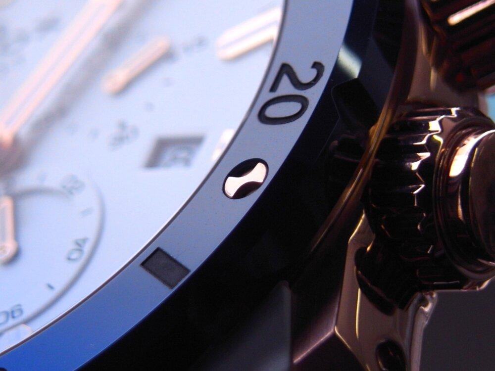 ブルーとホワイトとゴールドが爽やか! エドックス「クロノオフショア1 クロノグラフスペシャルエディション」入荷-EDOX -R1173839