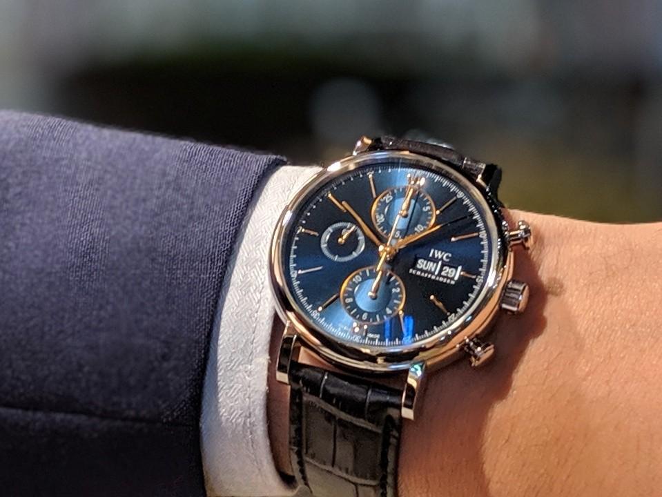IWC 2019年新作!!上品なゴールドカラーの針・インデックスと新しい青文字盤がキレイな機械式時計!!ポートフィノ・クロノグラフ!!-IWC -00100lPORTRAIT_00100_BURST20191104181345107_COVER