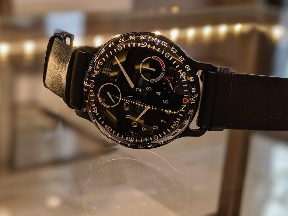 機械式時計の未来の形-RESSENCE -00100lPORTRAIT_00100_BURST20191105144443045_COVER