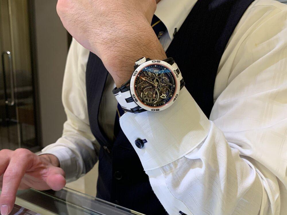 わずか28本と希少な日本限定モデルをその腕に......『エクスカリバー スパイダー オートマティックスケルトン ジャパンリミテッド』~ロジェ・デュブイ~-ROGER DUBUIS -IMG_1806