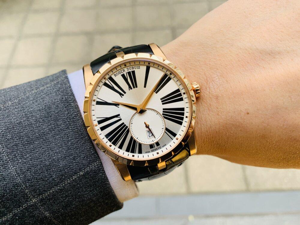 ラグジュアリーな腕時計ならエクスカリバー42で間違いない!!~ロジェ・デュブイ~-ROGER DUBUIS -IMG_2112
