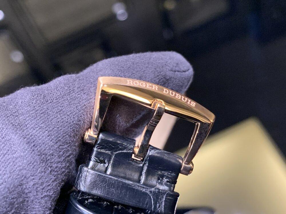 ラグジュアリーな腕時計ならエクスカリバー42で間違いない!!~ロジェ・デュブイ~-ROGER DUBUIS -IMG_2124