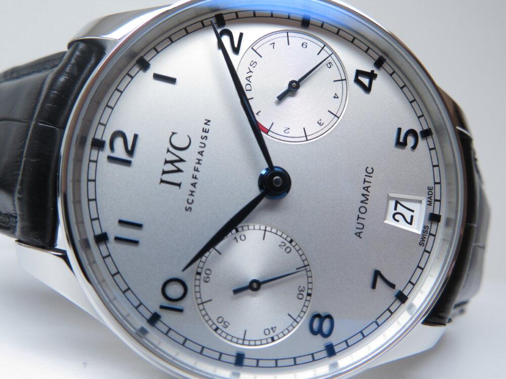 IWC ビジネスやカジュアルにも使えるスマートな機械式時計!!定番のポルトギーゼ・オートマティック!!-IWC -IMG_2416