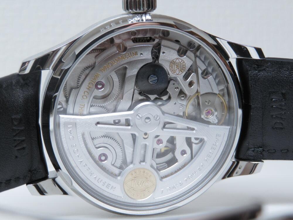 IWC ビジネスやカジュアルにも使えるスマートな機械式時計!!定番のポルトギーゼ・オートマティック!!-IWC -IMG_2417