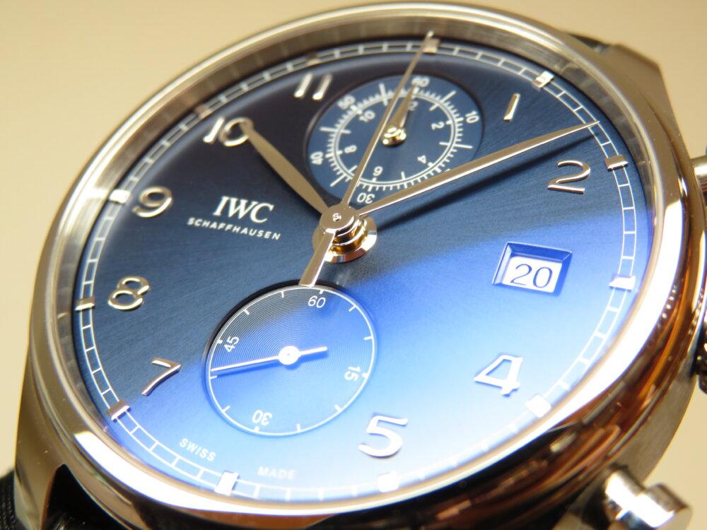 IWC 洗練されたシンプルなデザインと様々な表情を見せるブルー文字盤!ポルトギーゼ・クロノグラフ・クラシック!!-IWC -IMG_2512