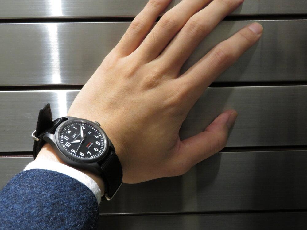 IWC 2019年新作!上質なマットブラックセラミックを使った黒い機械式時計!!パイロット・ウォッチ・オートマティック・トップガン!!-IWC -IMG_2648