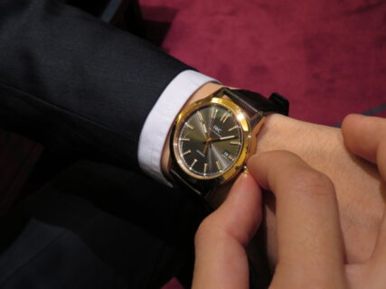 ウィンターフェア開催中!高級機械式時計、大人への一歩はゴールドケース!IWCインヂュニア・オートマティック!