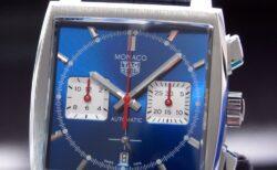 タグホイヤーの名作「モナコ」 最新機種を搭載して新たなる解釈で