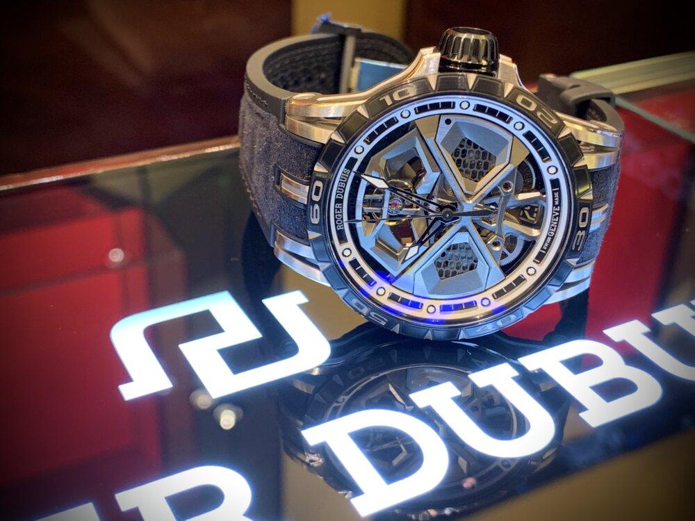 大人を満足させられる拘りの腕時計。エクスカリバーウラカン日本限定!!~ロジェ・デュブイ~-ROGER DUBUIS -IMG_2224