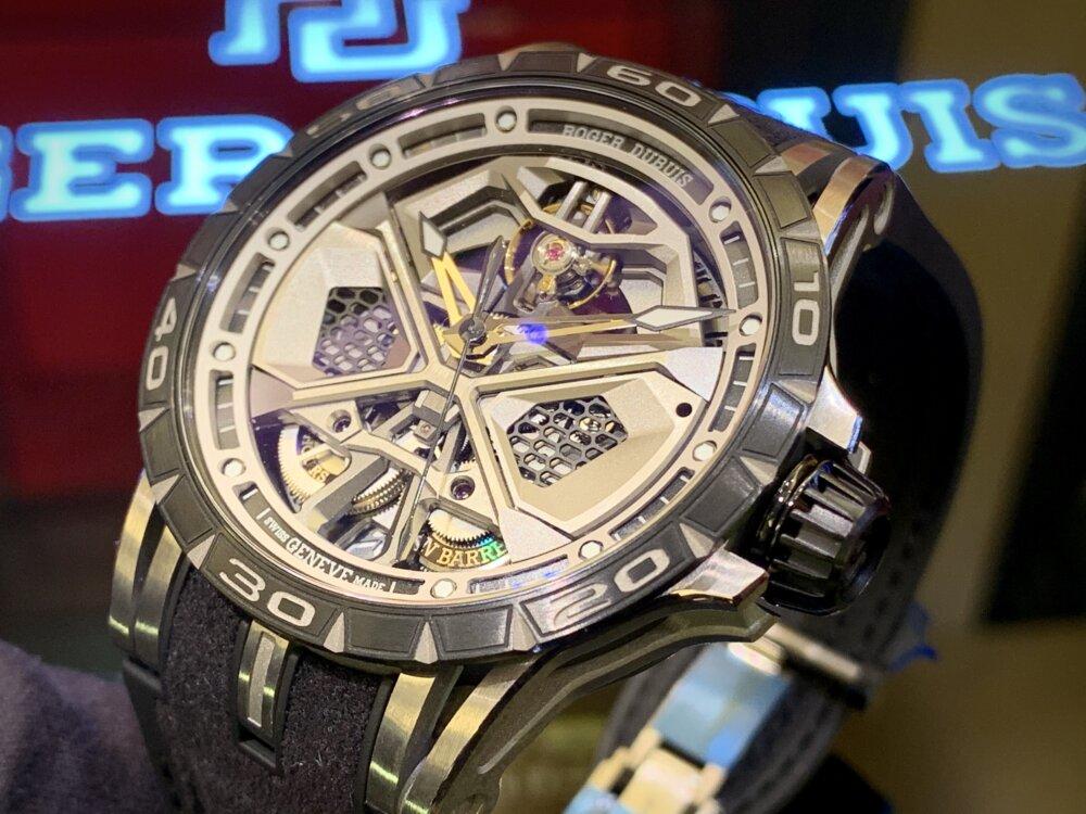大人を満足させられる拘りの腕時計。エクスカリバーウラカン日本限定!!~ロジェ・デュブイ~-ROGER DUBUIS -IMG_2232