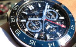 デザイン性と機能性を突き詰めた! タグ・ホイヤー「カレラ キャリバー ホイヤー02 クロノグラフ GMT」CBG2A1Z.FT6157