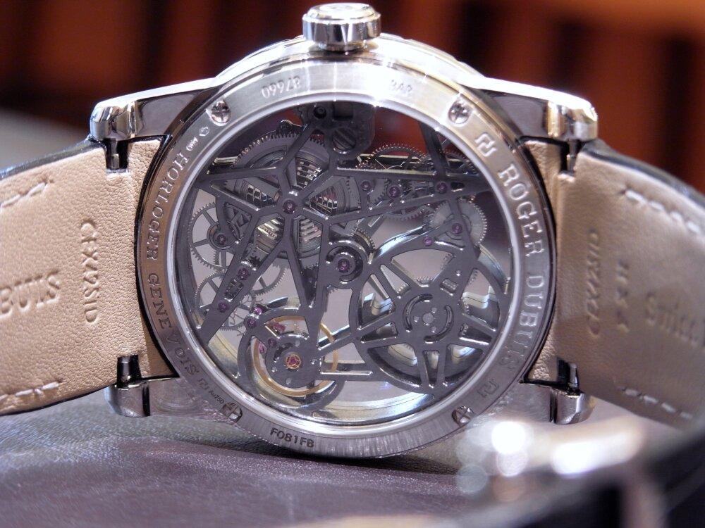 ロジェ・デュブイの最初のマイクロローター付自動巻スケルトンウォッチ「エクスカリバー42 オートマティック スケルトン」-ROGER DUBUIS -R1174810
