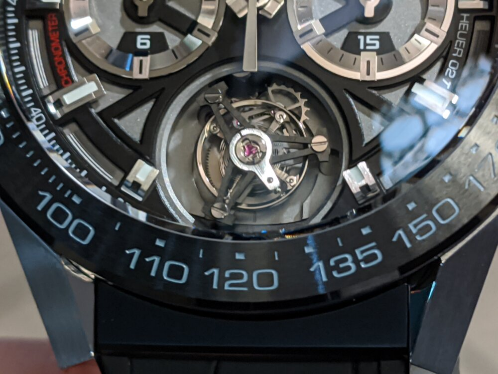 高級時計のシンボル…手の届かない存在ではない!?-TAG Heuer -IMG_20191224_183324