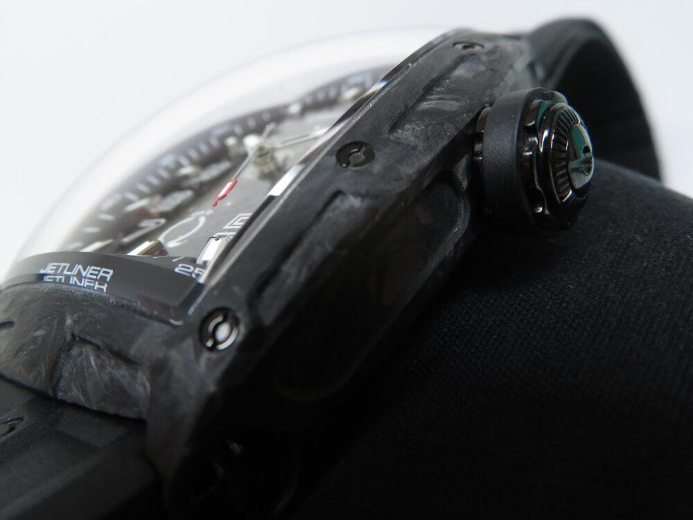 高いデザイン性と軽い着け心地! クストス「チャレンジ ジェットライナー カーボン」-CVSTOS -IMG_9261
