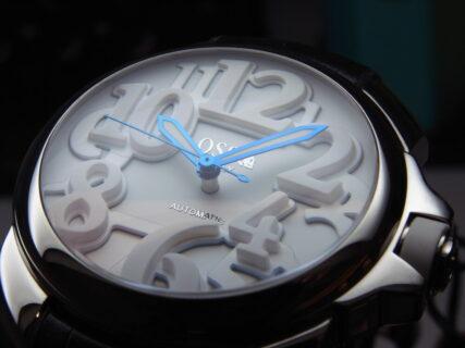 オッソ イタリィ(OSSO ITALY)キャンペーン開催中!ブルーの針が素敵!「ヴィゴローソ」