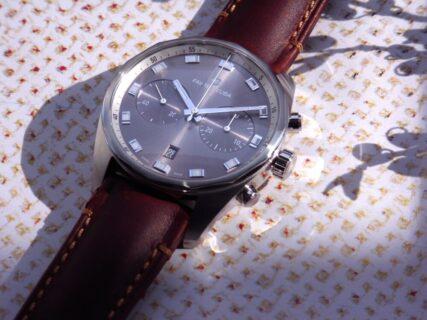 この時計は上品であり表情豊か、ファーブル・ルーバ スカイチーフ クロノグラフ